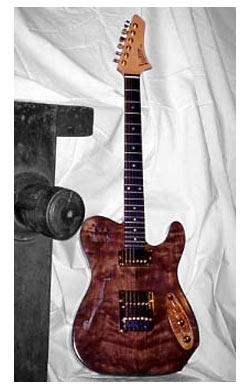 chitarra elettrica Telecaster in noce